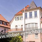 (2014) - Neubau Wohnhaus mit Garagen, 37115 Duderstadt - Schwimmender Zementestrich auf Fußbodenheizung, Dämmschicht für Trittschalldämmung, Zementestrich