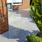 Terasse mit Granitplatten