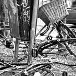 'trashed bike', amsterdam 1987
