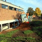 1.10.14 Beginn der Ausschachtungsarbeiten an der Frontseite zum Herzogsfreudenweg