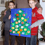 Die Künstler bei der Überreichung des Geburtstagsgeschenkes