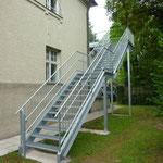 Podestaußentreppe verzinkt