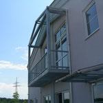 Balkon- und Vordachkonstruktion