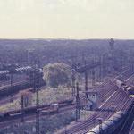 Blick über den Rbf Duisburg Wedau 1982.