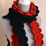 auch zwei Schals lassen sich super übereinander tragen GINGER in rot und shwarz