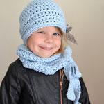Zuckerwatten Ensemble Kindermütze mit Schleifenschal hellblau