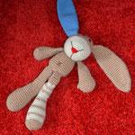 der Hase mit der roten Nase und dem blauen Ohr (Einzelstück)