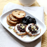 Cinnamon Cream cheese breakfast bites with dried plums and pumpkin seeds