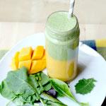 layered mango-green apple smoothie
