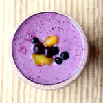 Refreshing blueberry mango smoothie