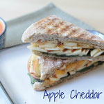 Homamede Cheddar Apple Panini with Black Pepper and Spinach - by homemade nutrition - www.homemadenutrition.com