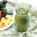 Green tea-mango-apple smoothie