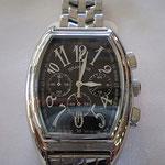 シリーズ中、一番人気 重厚感たっぷりの男らしい腕時計