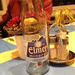 Auso, mir hei de eigentlich nume vo däm Elmer trunke. Sötti uf eim vo de ander Bildli Alkohol z'gseh si, isches num Zuefall oder Deko
