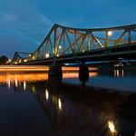 Glienicker Brücke mit Dampfer