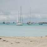 Schöne Segelboote im blauen Wasser von St. Maarten 2010