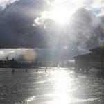 Die Sonne strahlte teilweise, fast so wie die Elbe am heutigen 22. Oktober 2014