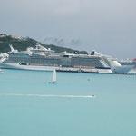 Die Kreuzfahrtschiffe im Hafen von St. Maarten 2010