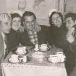 Fasnachtsrunde: v.l.n.r: Karl Heinz Kastner, Franziska Kastger geb. Jörger, Erich Wildemann, Liesel Weschenmoser und Otto Jörger