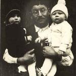 Cuno, Erbförster: Stefan Deubel  (mit seinen Enkeln Erwin und Karl)