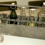 Tragekasten für Getränke aus verzinktem Blech aus dem Jahre 1946 hergestellt von der Blechnerei Bornhauser