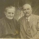 """der ersteMalscher""""Bischof"""" mit Ehefrau Flora, 1938"""