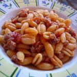 南部の伝統料理「マッロレッドゥス・アッラ・カンピダネーゼ」