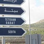 Würde es nicht auch in Arabisch stehen, könnte es gerade so gut in Frankreich sein.