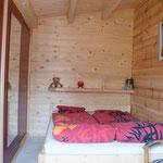 kuscheliges Schlafzimmer mit französischem Bett