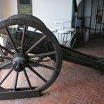 Kanonen als Erinnerung an die französische Belagerung