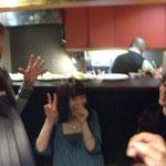 左から、Mayumiっち。しっかりピースのPIROCOさん。某ディー。