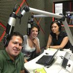 Derecha; con la Artista Plástica Perla Crespo; al centro la Arq. Mayra Reyes y a la izquierda el Arq. Salvador Salazar