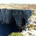 In echt sind die Höhlen viel größer als auf dem  Foto