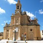eine der vielen hübschen Kirchen