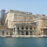 Hier soll mal ein Lift von Valletta oben zum Hafen runter gehen