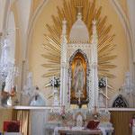Madonnafigur in der Kirche: Il-Kappella ta´Lourdes