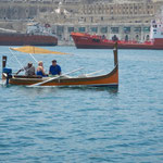 Ein traditionelles Luzzu Boot