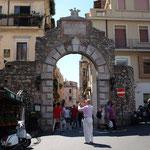 Der Torbogen von Taormina