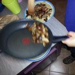 Faire sauter les cèpes avec de huile d'olive