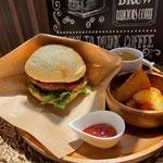 ハンバーガープレート ¥1,080(税込)
