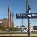 Der Blick vom Hauptbahnhof auf das VW-Werk