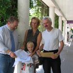 Übergabe Unterschriften Baumschutzsatzung 2005