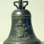 Piccola campana in bronzo. Bottega toscana sec. XVII