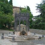 Fontana-tempietto in ghisa ad Arcidosso (Gr)
