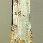 Stola in seta con motivo a bouquet policromo. Manifattura italiana sec. XVIII