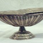 Navicella portaincenso in argento lavorato. Bottega fiorentina sec. XVIII 1/3