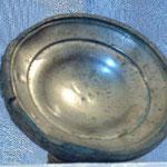 Candeliere in metallo sbalzato. Bottega toscana sec. XVIII