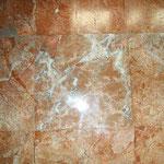 Esempi di marmo Portasanta: un impiantito