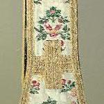 Stola fondo ecrù con motivi floreali policromi. Manifattura italiana sec. XIX