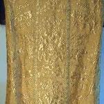 Pianeta damascata in oro con motivo vegetale. Manifattura italiana sec. XX
